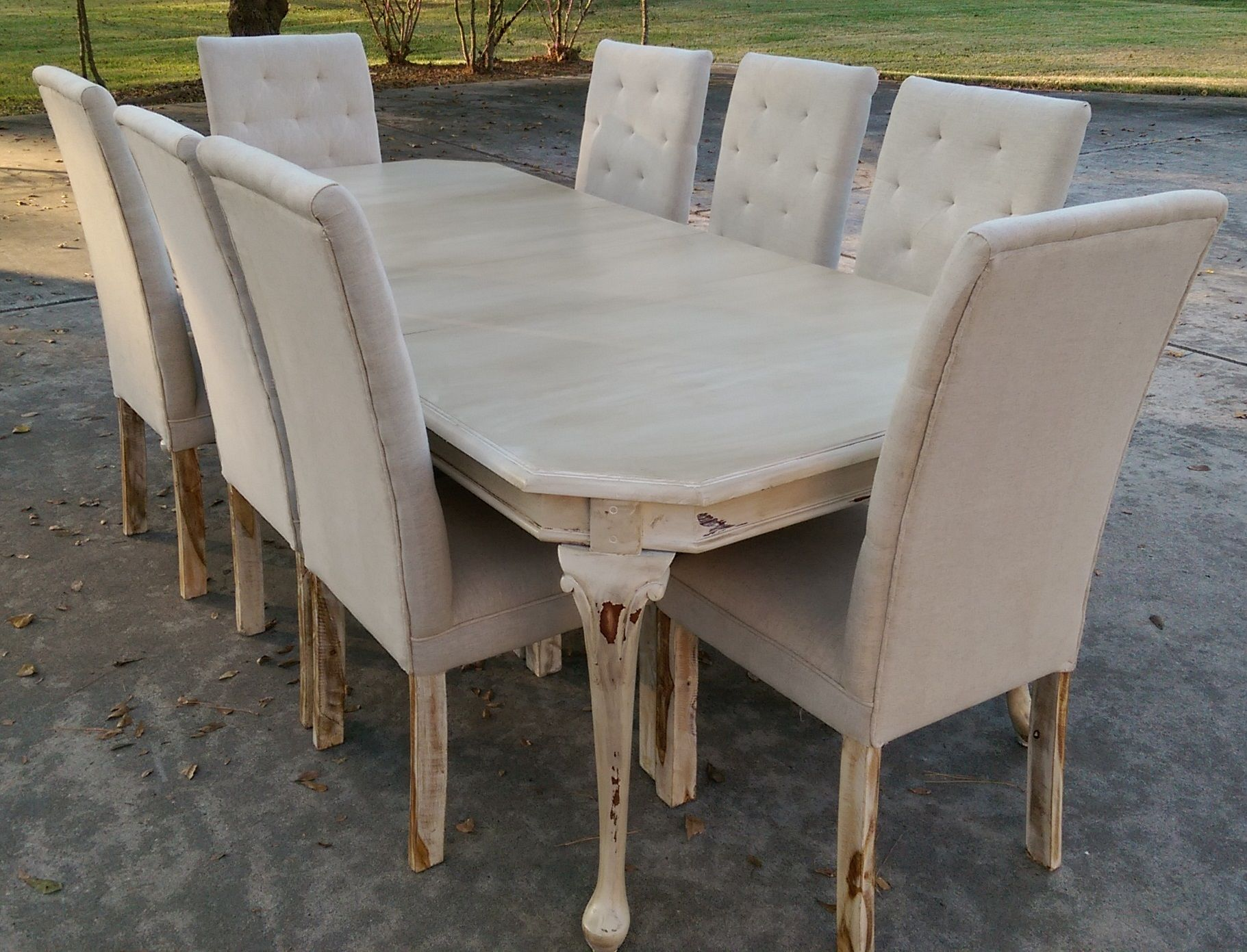 Now This Table Screams Country Chic It Is So Versatile Too With The Two Leaves You Have A Four S French Country Furniture Shabby Chic Dining French Furniture