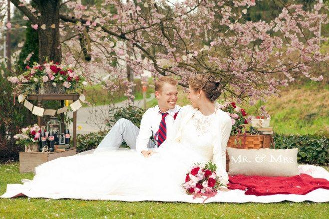 Seattle Vintage Picnic Wedding   Heather Mayer Photography   Seattle Bride Magazine