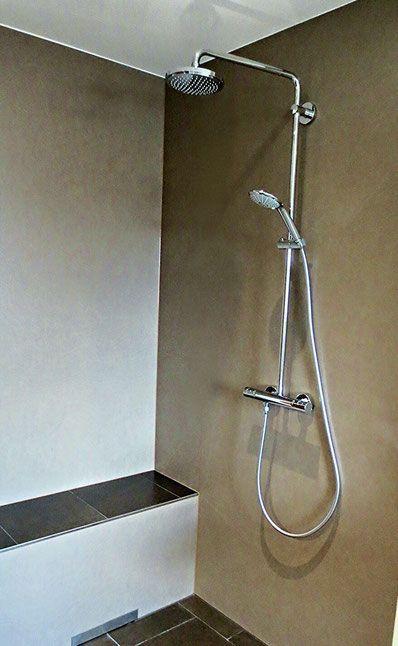 duschrckwand aus feinsteinzeug fugenlos fugenfreie rckwand der dusche mit - Ruckwand Dusche Bild