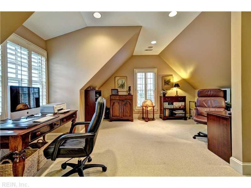 Great Use Of The Bonus Room For 2 Office Spaces Bonus