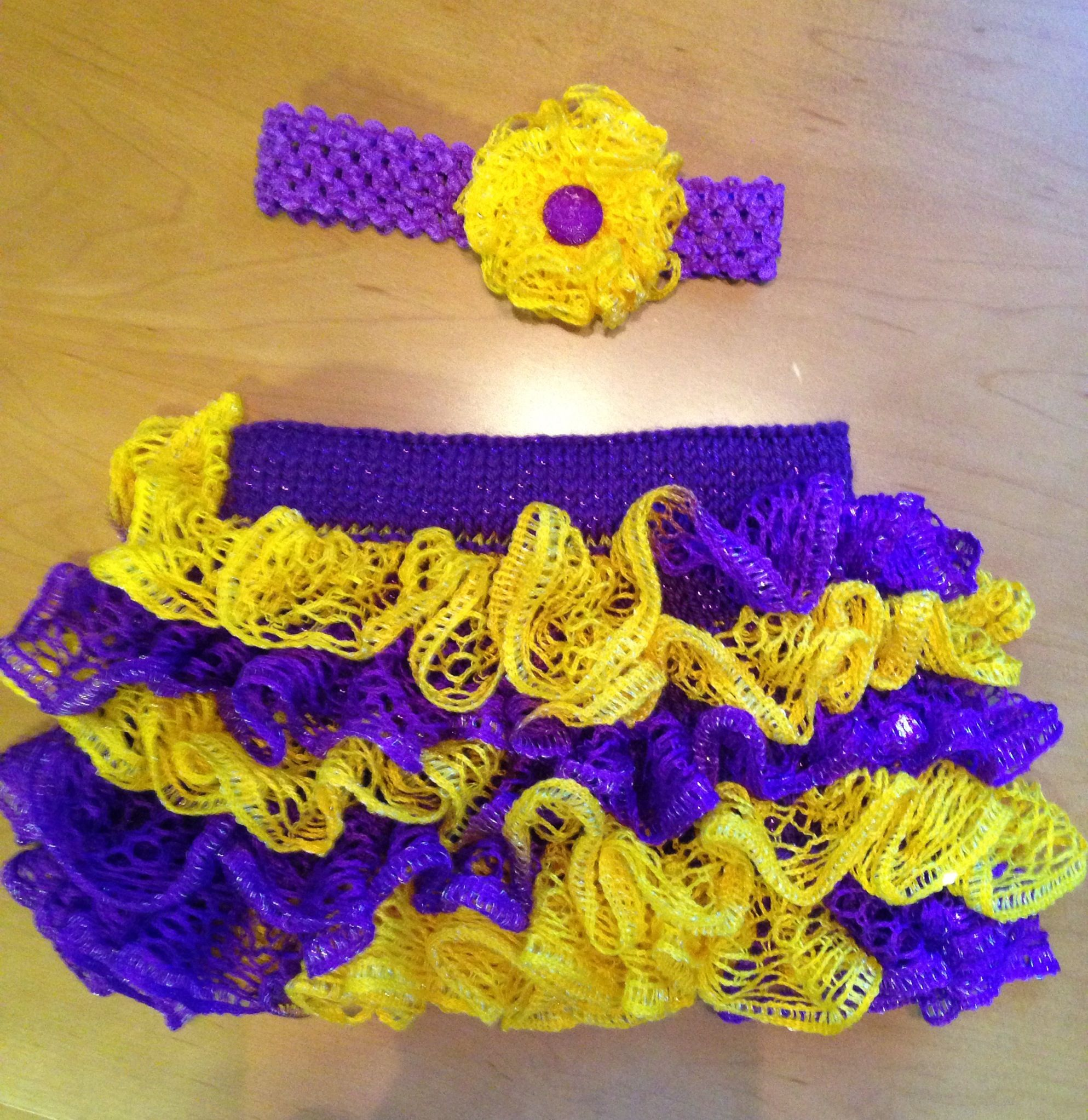 My Projects: Mini LSU fan! Knitted with sashay ruffle yarn and ...
