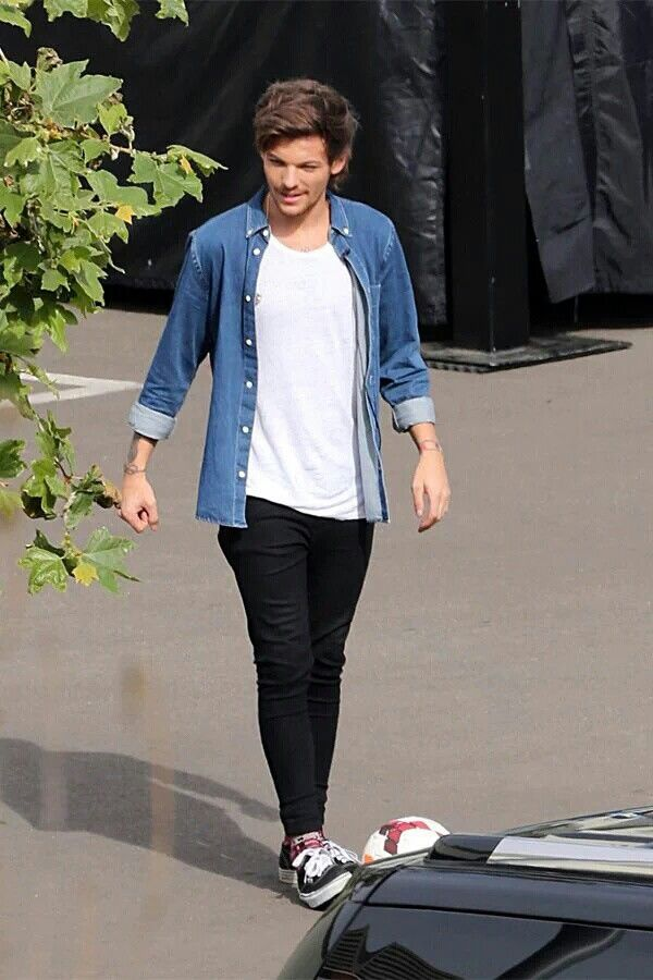 ONE DIRECTION : Louis Tomlinson in Adidas jacket Fringues