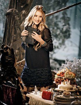 Marks and Spencer Christmas 2013 - Story of Alice in Wonderland and allowing the public to name the dog.