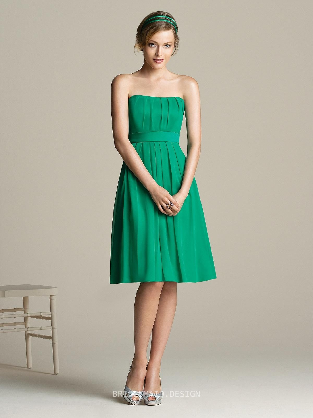 Vogue green knee length sleeveless empire a line pleated chiffon vogue green knee length sleeveless empire a line pleated chiffon bridesmaid dress with band ombrellifo Images