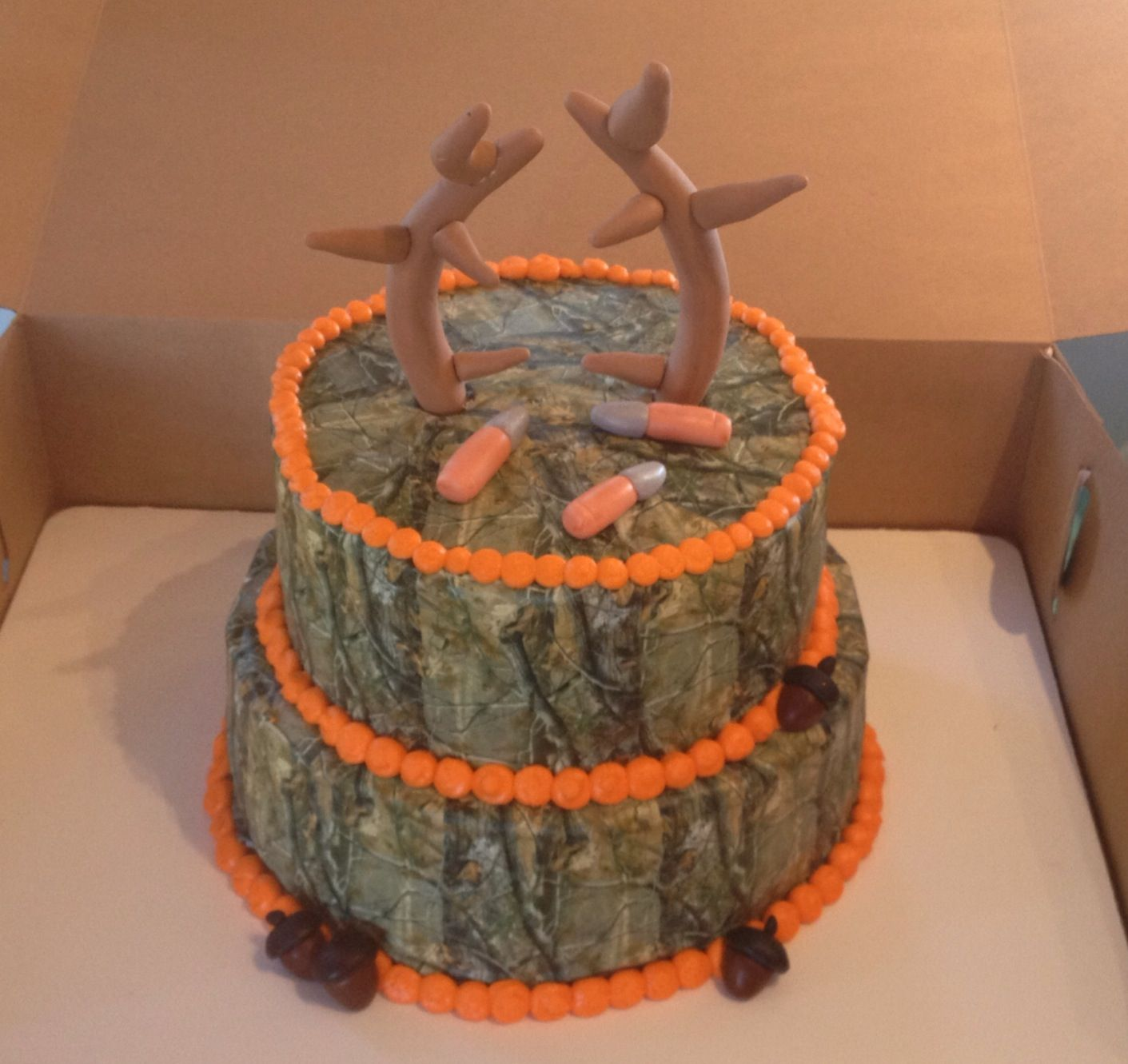 Hunter birthday cake camo deer