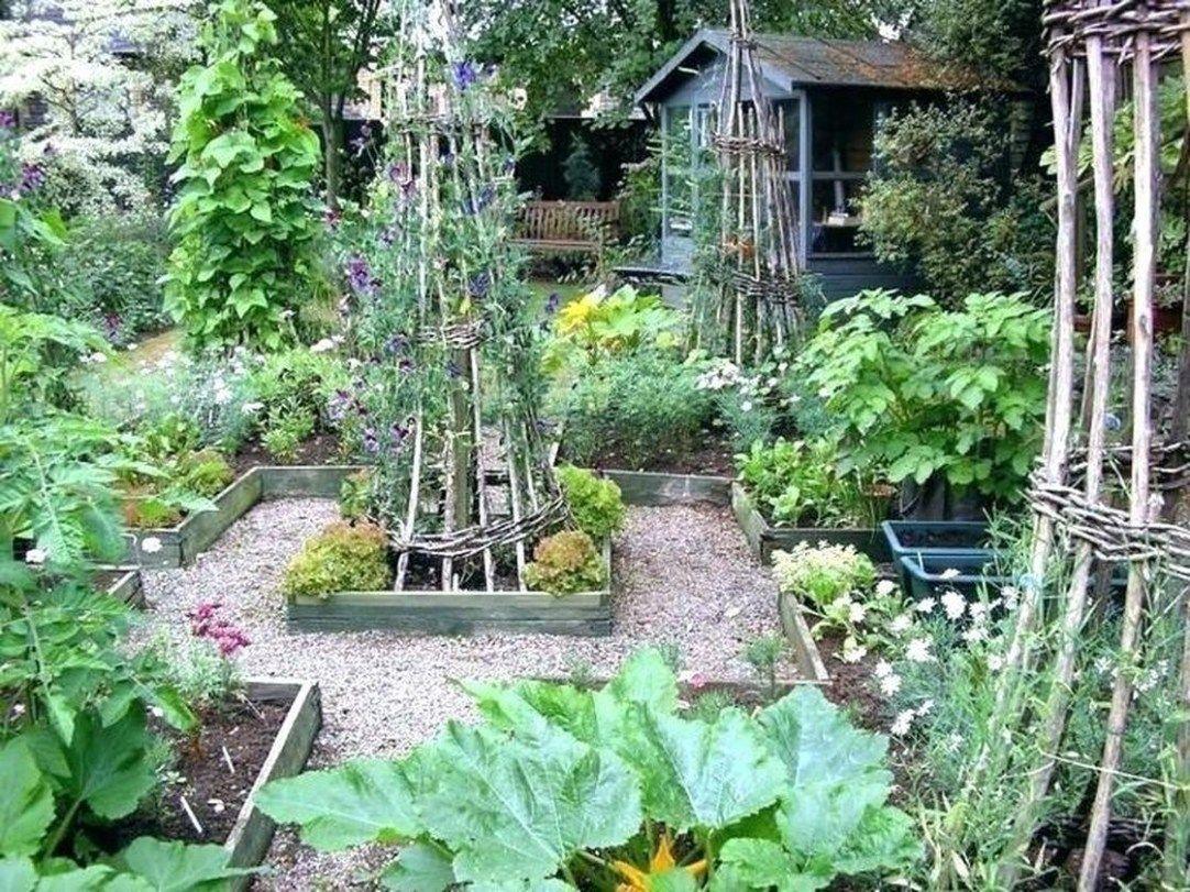 43 Best Vegetable Garden Ideas At Your Home Decoarchi Com Small Vegetable Gardens Vegetable Garden Planner Garden Layout