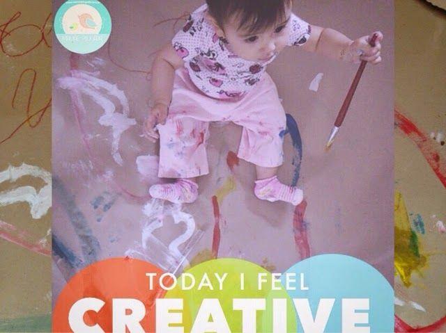 Bebê brincando com tinta: Hora da arte!