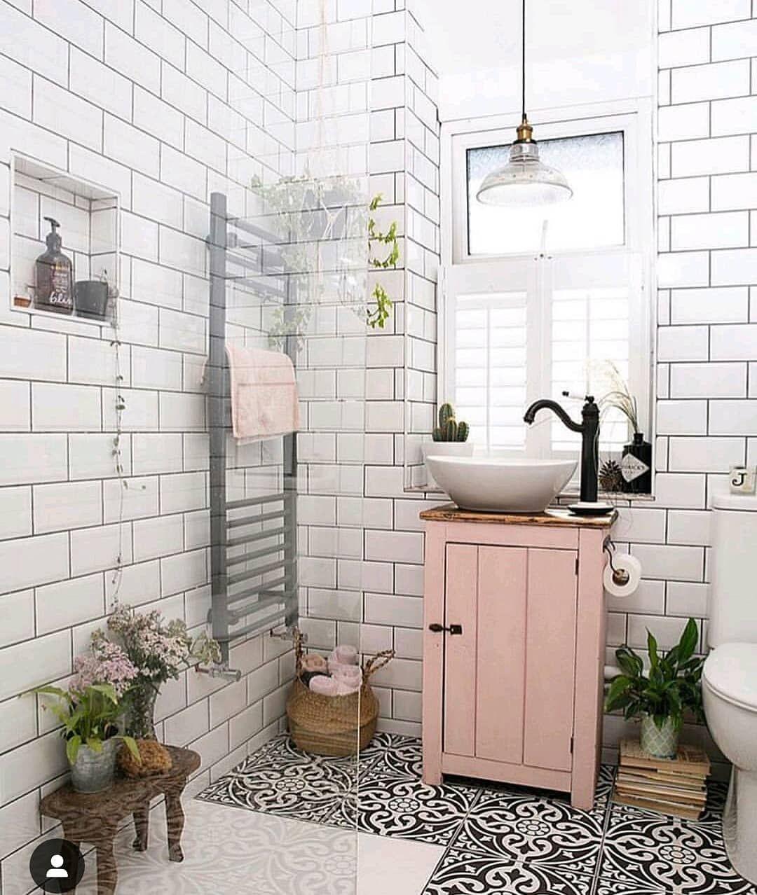 """I Arte y Deco on Instagram: """"Baño vintage 💚💚 #arteydeco # ..."""