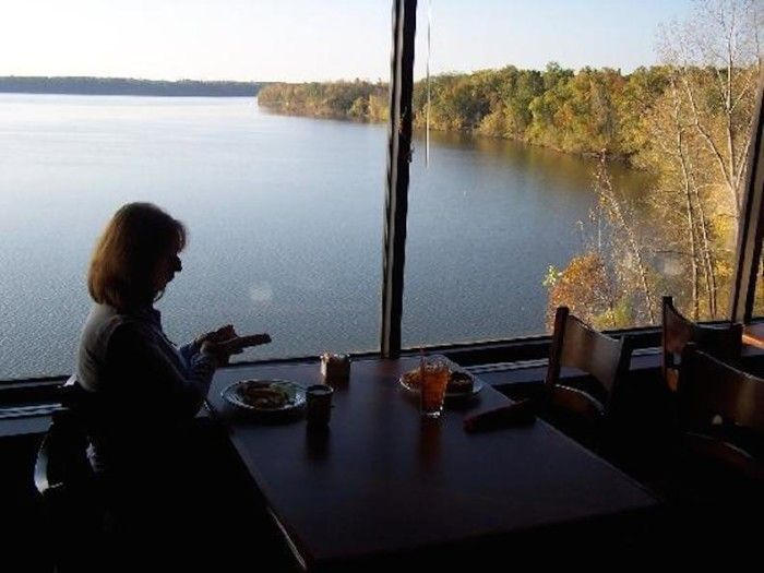 Only In Your State Waterfront Restaurants Ohio 9 Rafter S Restaurant Deer Creek Park