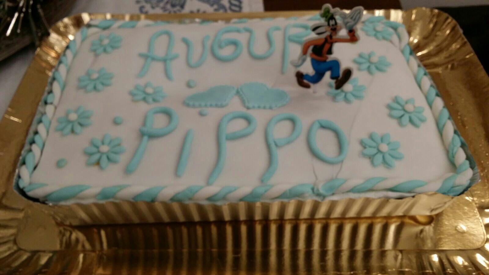 'Un simpatico Pippo per una dolce torta'