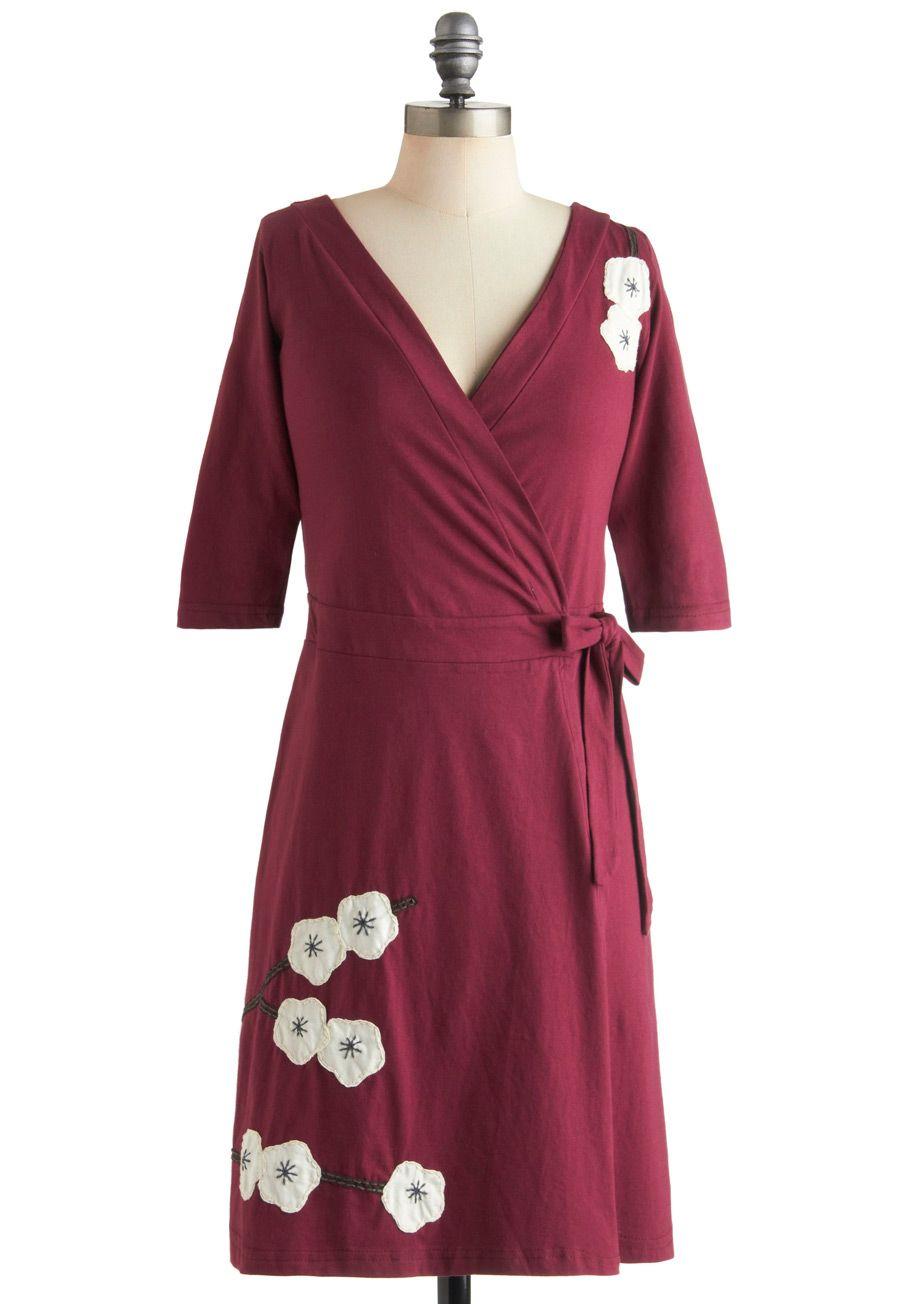 Chiffon midi dress with allover pleats magnolia floral