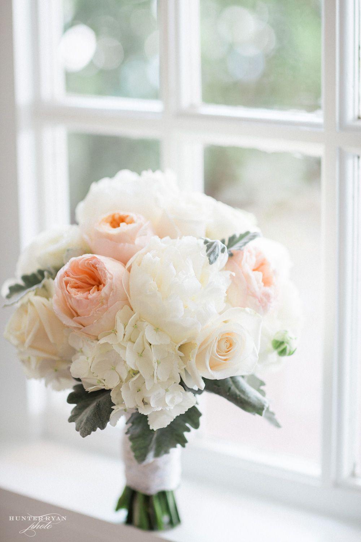 Beautiful Wedding Bouquet   Photography by Hunter Ryan Photo