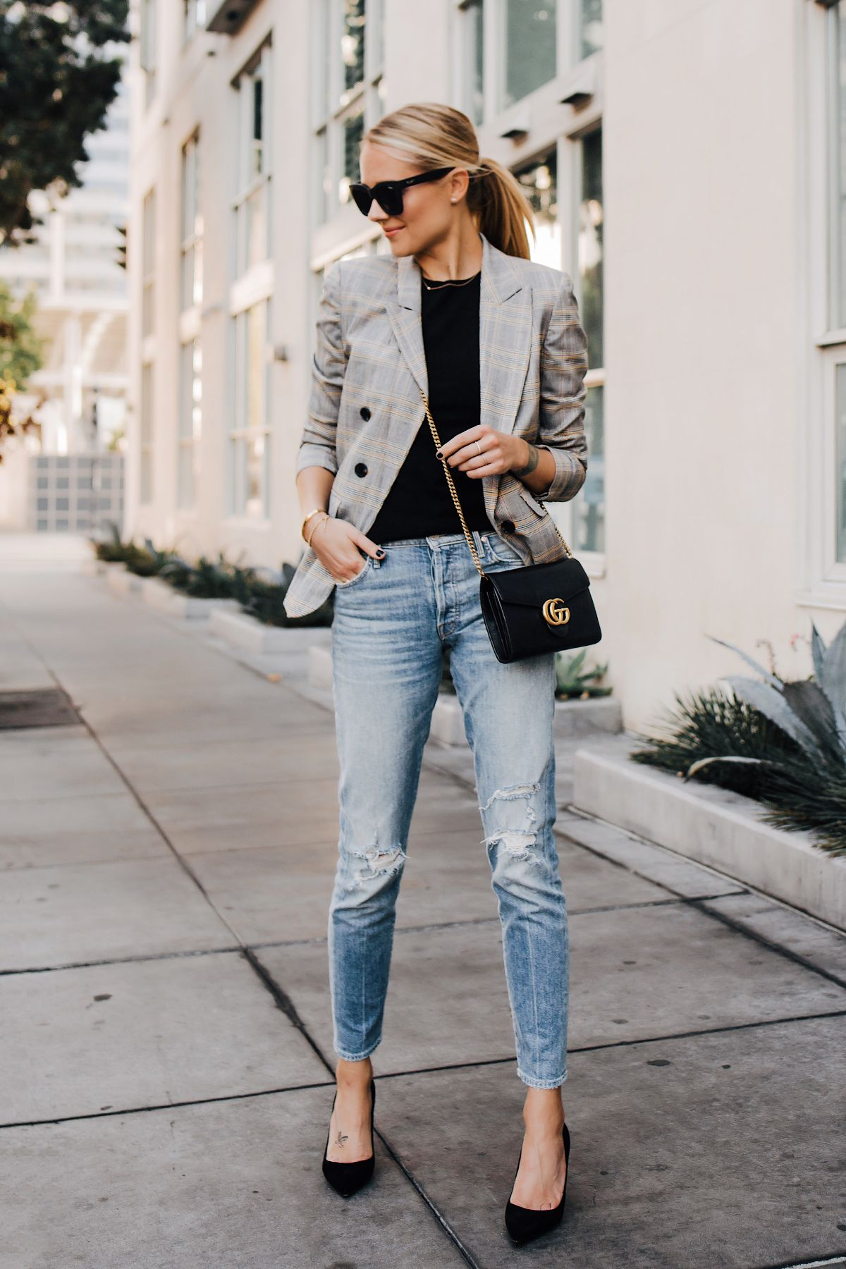 Fashion Jackson Plaid Blazer Mother Ripped Denim Jeans Black Pumps Gucci  Black Handbag Fashion Jackso…   Blazer outfits casual, Fashion jackson,  Plaid blazer outfit