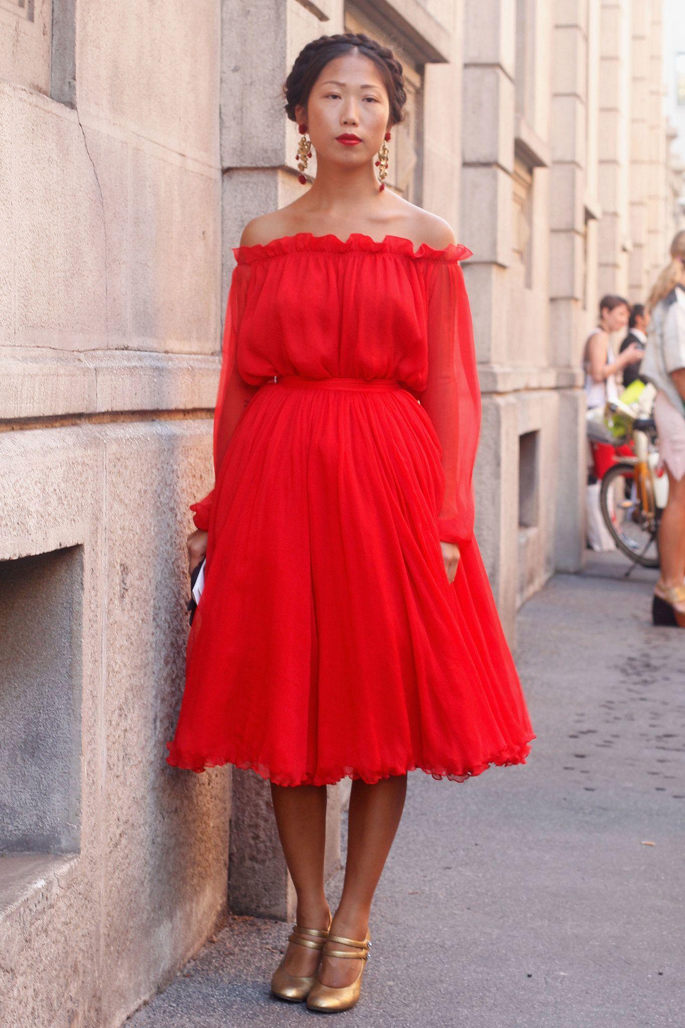 Milan fashion week shoulder dress romantic and milan fashion weeks