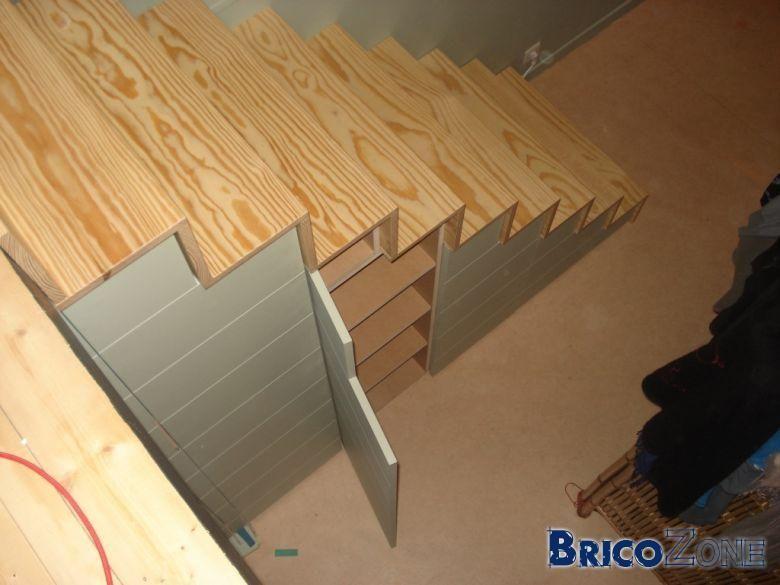 escalier vers lit en mezzanine lit mezzanine pinterest. Black Bedroom Furniture Sets. Home Design Ideas