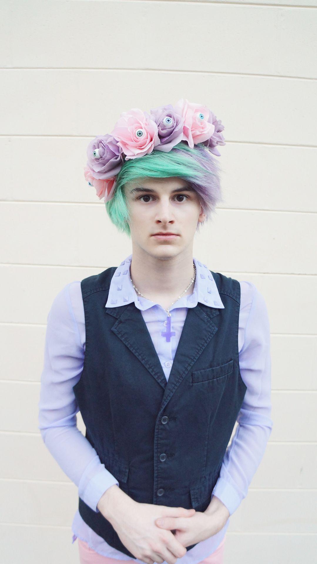 pastel goth boy creepy pastel kawaii Floral eyeball crown ...