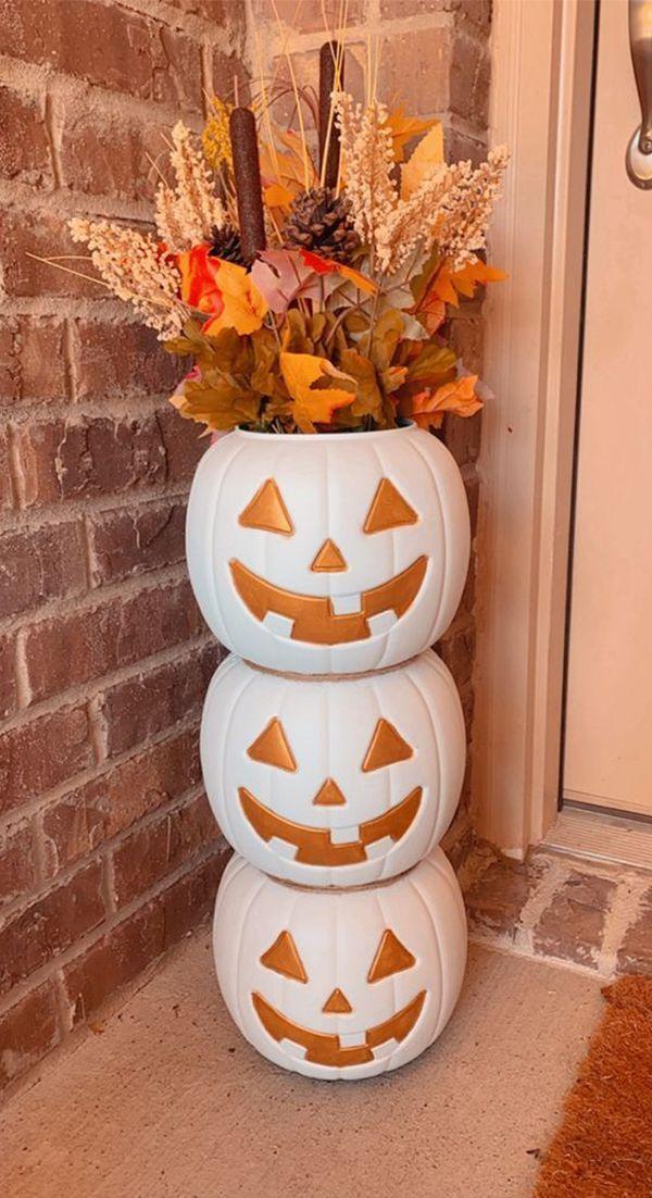 Prueba alguna de estas manualidades fáciles para Hallowen. ¿Te animas? #Hallowen #manualidades #decoración #decoracióndepuertas #ideascreativas #mujeresalrescate