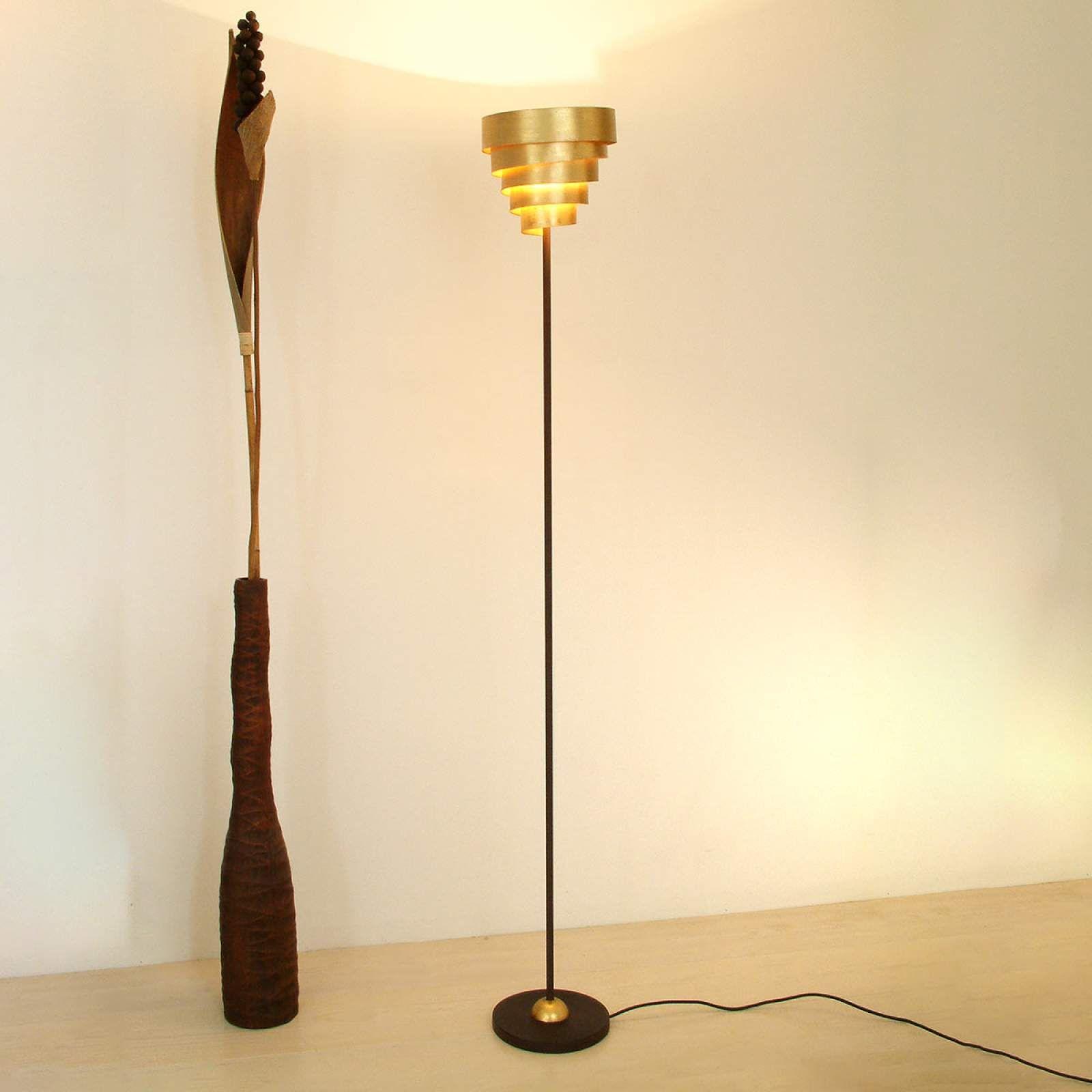 Moderne Stehlampe Banderole Von J Hollander Gold Lampen Led