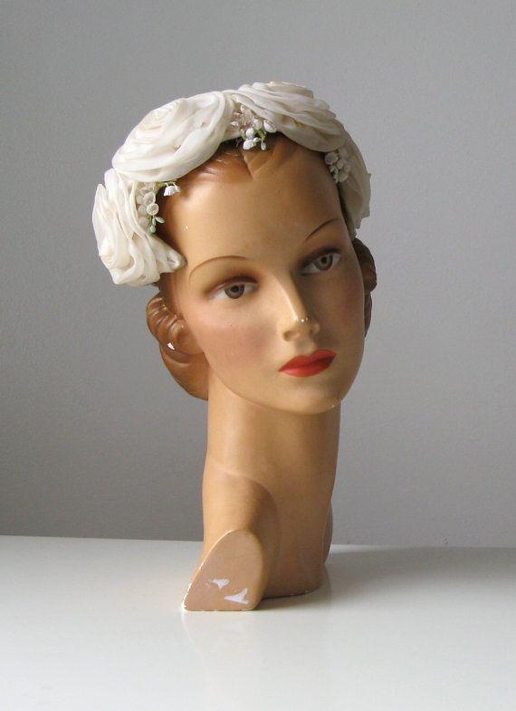 7d9cbba5f606d8 Vintage 1950s bridal hat / 50s wedding hat   DRONNING VINTAGE ...