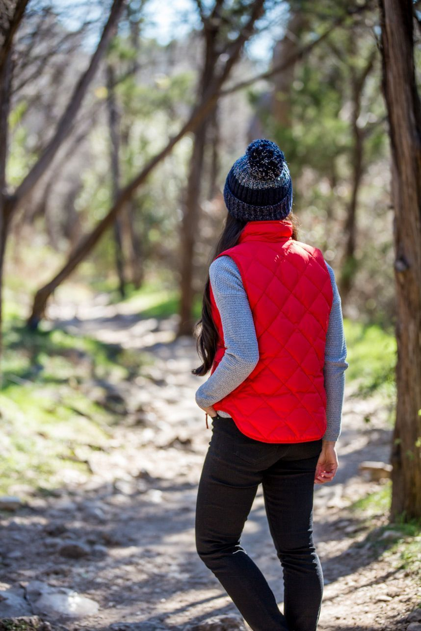 c08a53237f5 Hiking in Style: Finding the Right Hiking Outfit for You ...