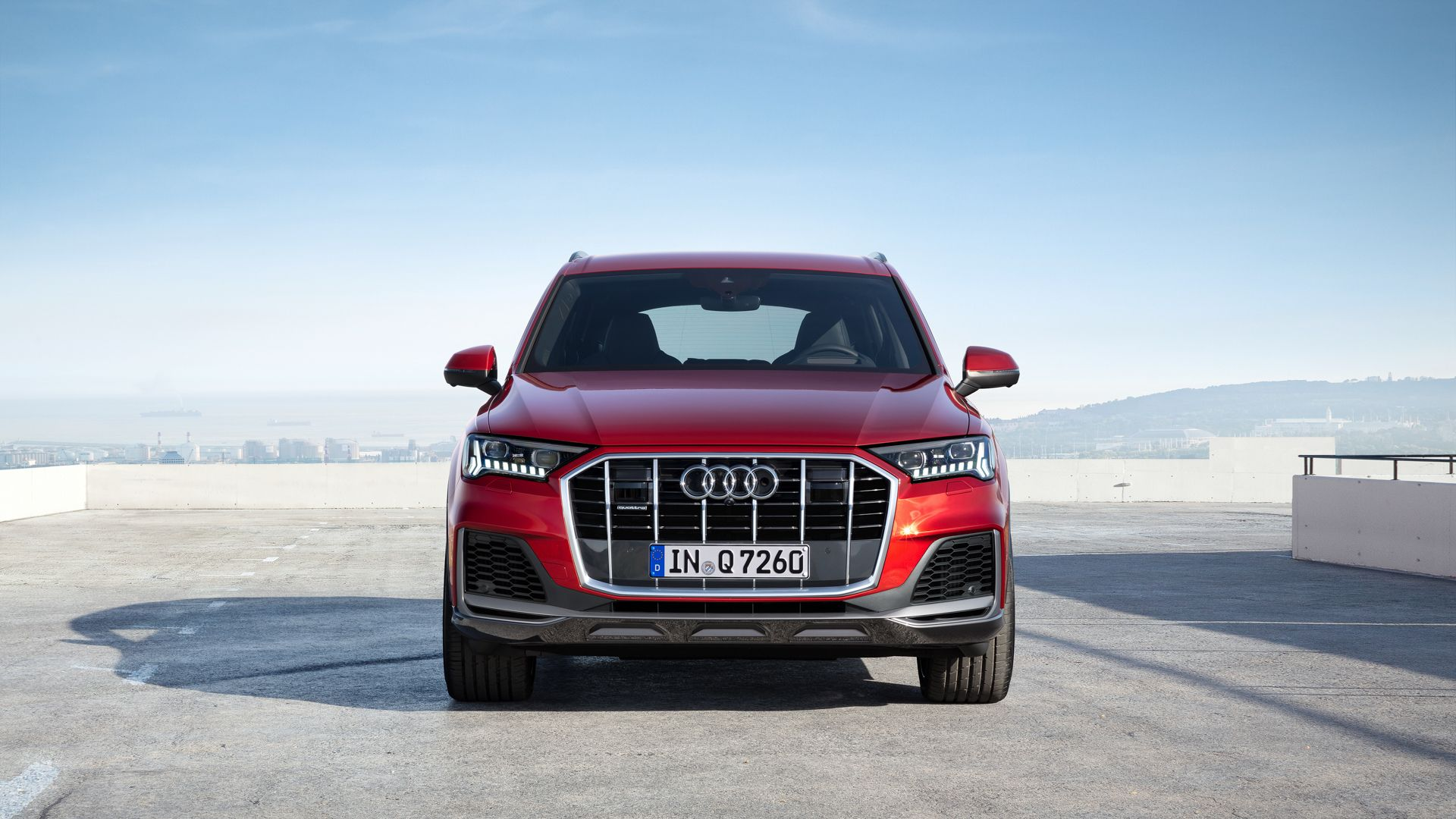 Can The Audi Q7 Facelift Take On The Mercedes Benz Gls Class In 2020 Audi Q7 Audi New Audi Q7