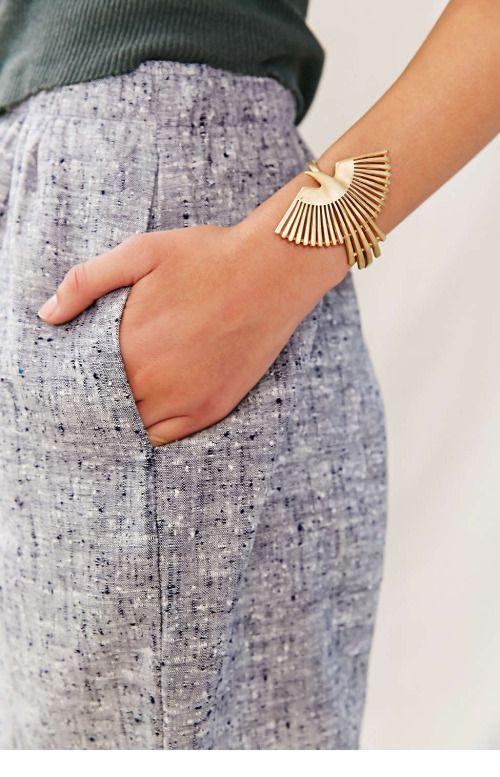 Glam gold bracelet design