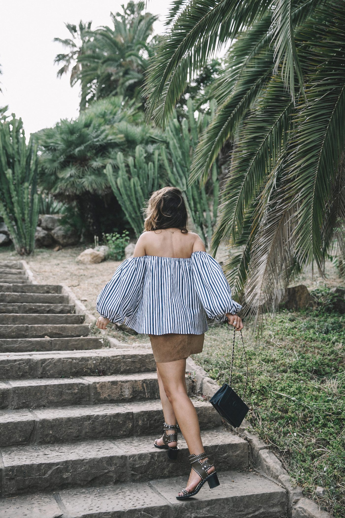 Chicwish-Off_The_Shoulders_Top-Outfit-Suede_Skirt-Free_People-Isabel_marant_Sandals-Chanel_Vintage_Bag-Statement_Earrings-Boho-Collage_Vintage-26