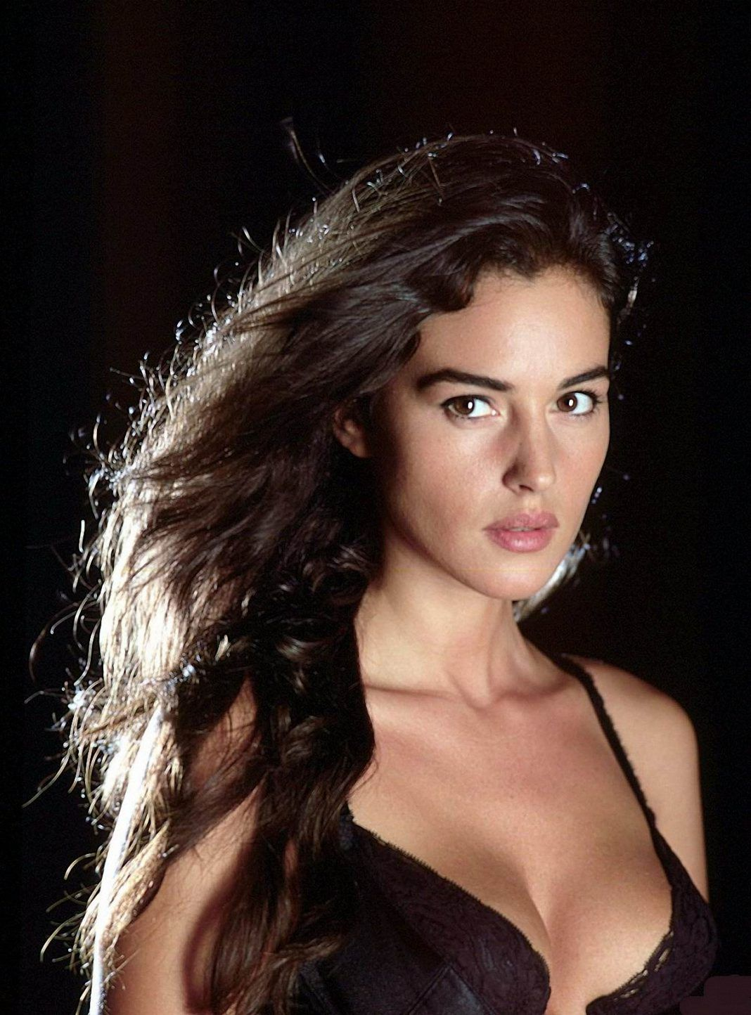 The 100 Best Photos Of Monica Bellucci Monica Bellucci Young