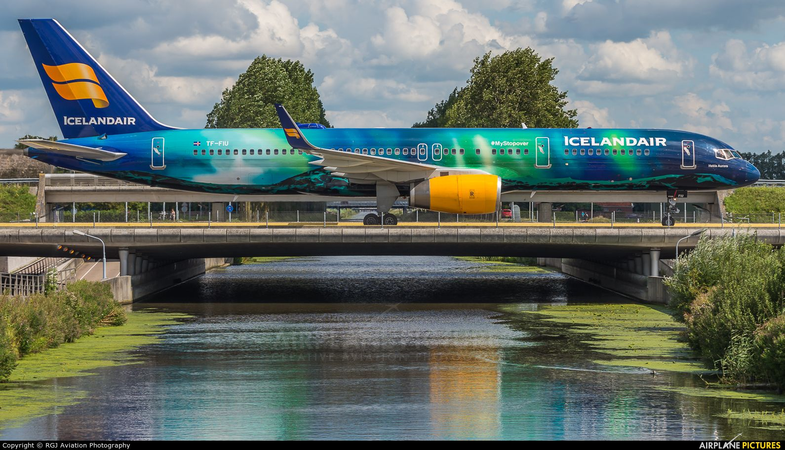 Icelandair Boeing 757 200wl Airport Netherlands Amsterdam Schiphol Ams Eham Airplane Pictures Net T Aviation Airplane Boeing Aircraft Iceland Air