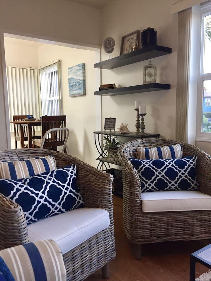 Coastal Ocean Beach 2 bedroom cottage Houses for Rent in