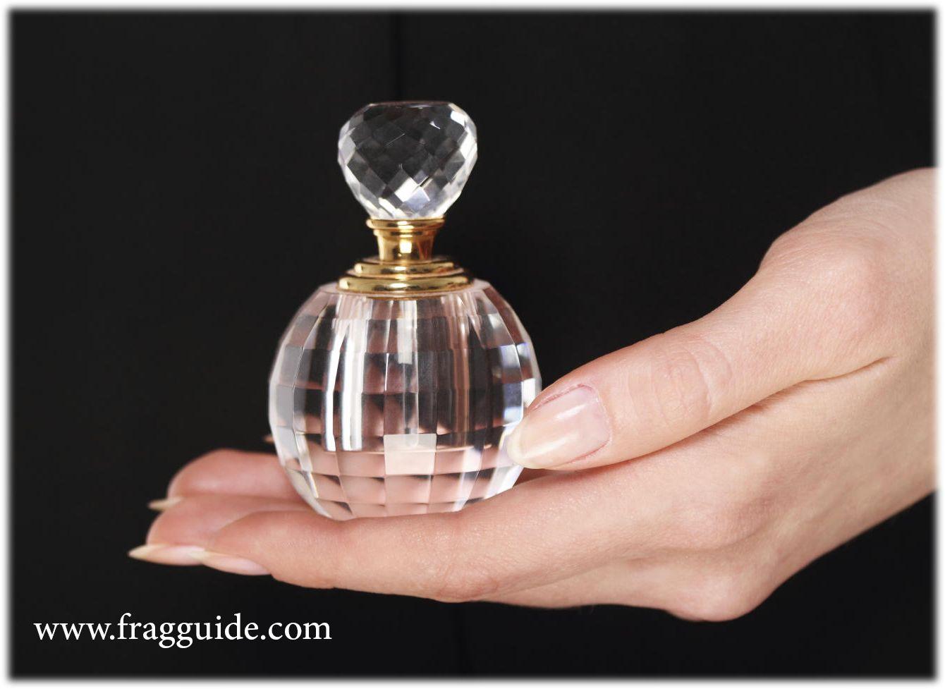 قوة العطور التي لا يعرفها أحد العطور وتأثيرها النفسي والبدني على الإنسان روابط عاطفية أعزائي يمكنكم الحصول على مزاج Perfume Bottles Perfume Scents