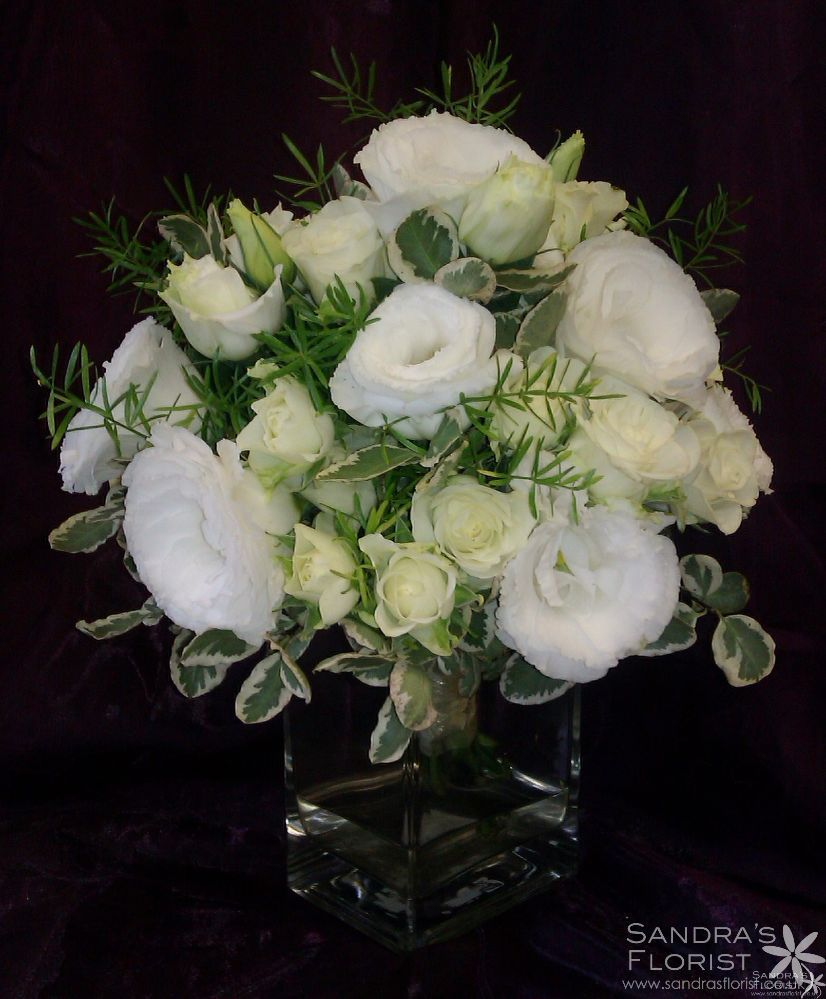 50th Wedding Anniversary Fl Arrangements White Rose And Lisianthus Flowers