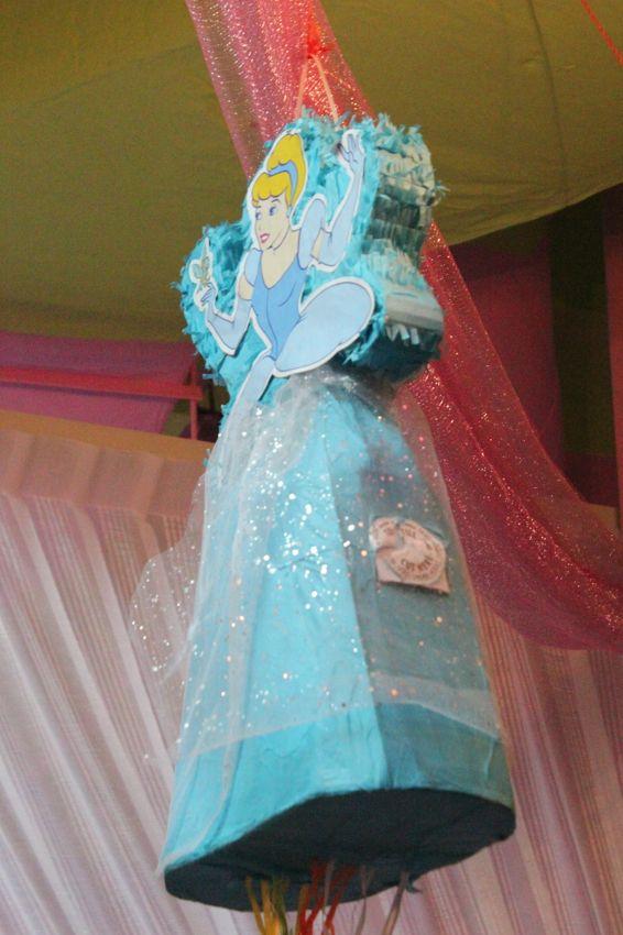 Pi atas cinderella pi ata pi ata princesa disney pinterest pi atas fiestas y fiestas de - Pinatas de cumpleanos ...