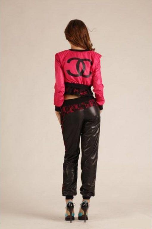 Shiny nylon tracksuit   women nylon wear   Moda, Tendencias de moda ... f5847b0b20b2