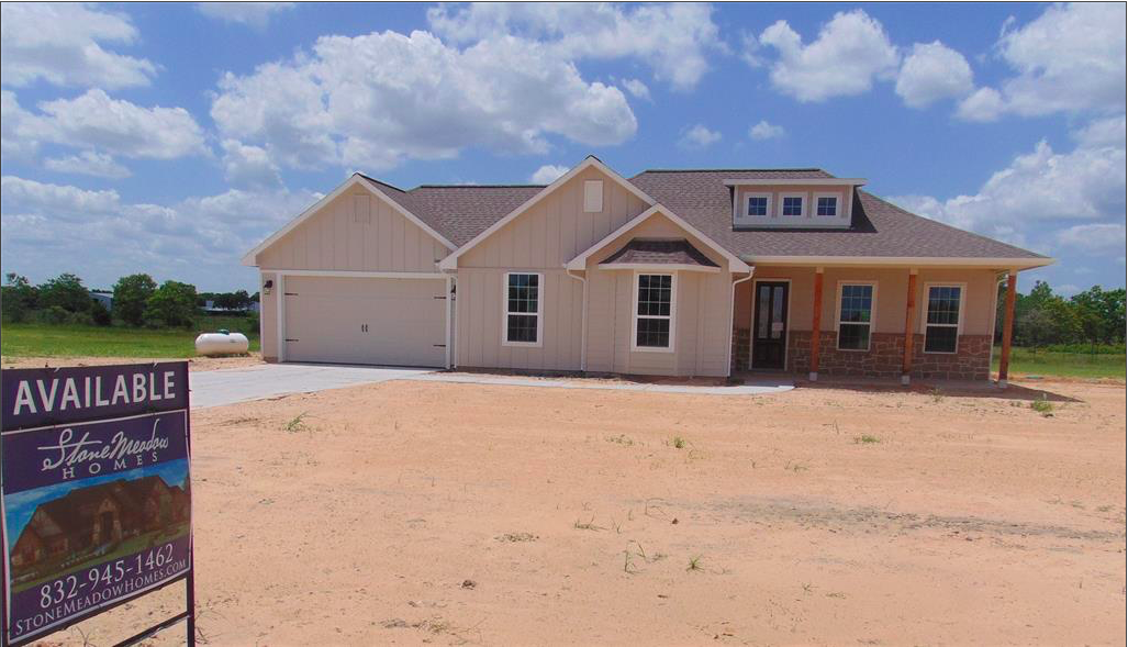 Looking For A New Home This Summer We Ve Got What You Re Looking For And On A One Acre Home Site With Today S La Estate Homes Texas Real Estate New Homes