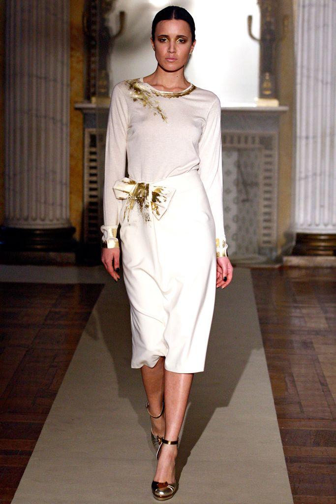 Fall 2011 Ready-to-Wear - Luisa Beccaria