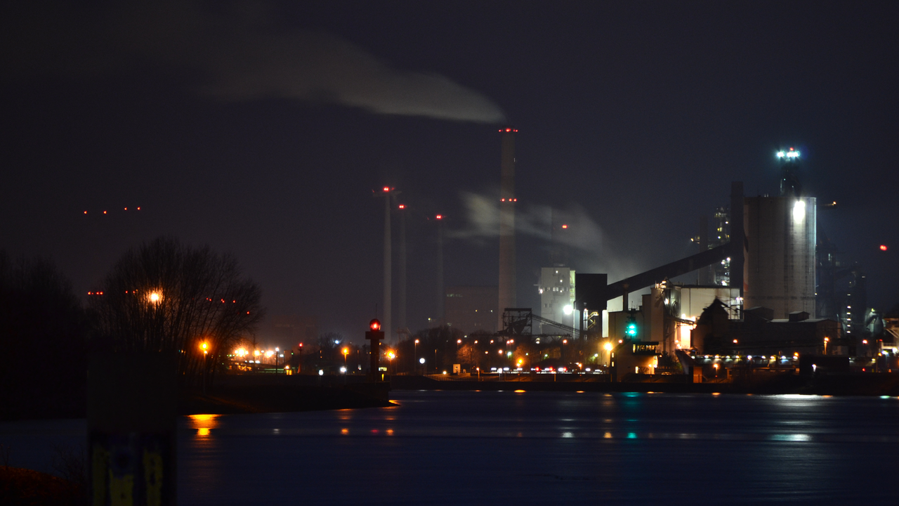 Bremen Waterfront Harbour at Night by ~oneill3007 on deviantART