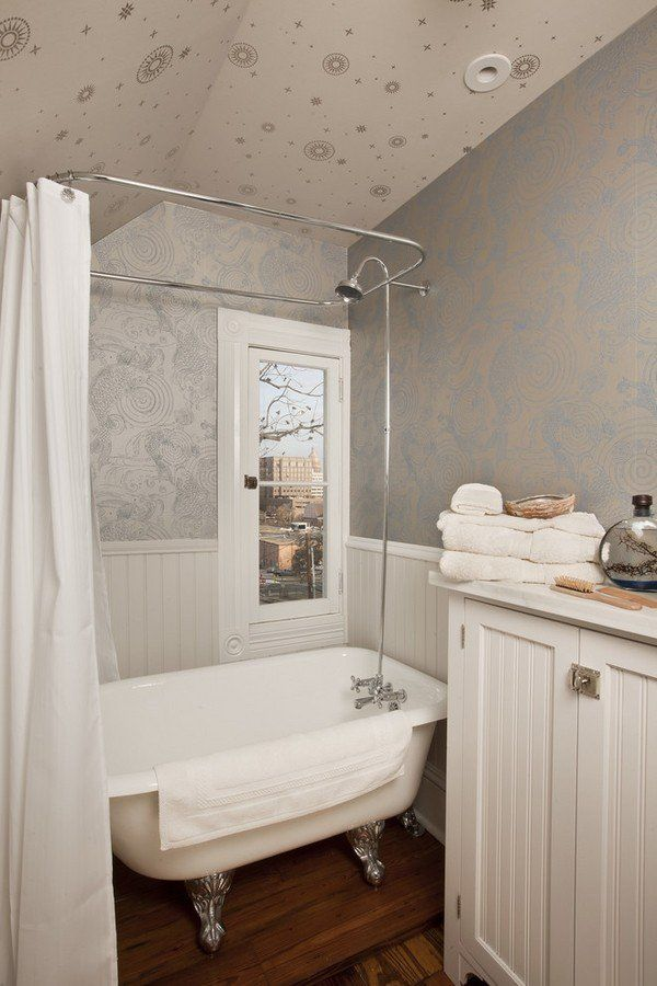 Small Bathrom Tubs Clawfoot Tub Attic Bathroom Design Ideas - Small bathroom remodel with clawfoot tub