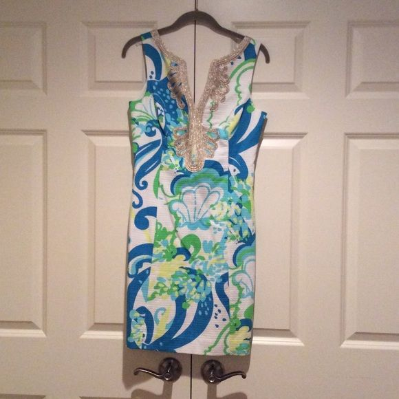 White Lily Pulitzer Shift Dress Size two, great condition, worn once Lilly Pulitzer Dresses Midi