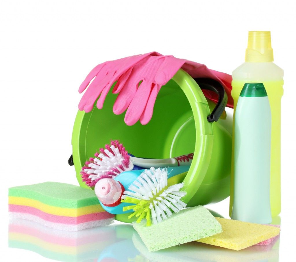 Great Chemical Free Housekeeping Tips | There are many natural substances and methods we can use to clean without exposing ourselves, our families and our guests to potential health hazards. For most of us, house cleaning is an activity that comes with exposure to a cocktail of chemicals. Household cleaners contain things like bleach... | http://www.natural-holistic-health.com/great-chemical-free-housekeeping/