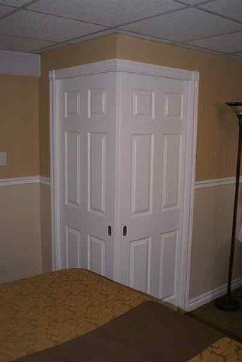 CONVERGING CORNER POCKET DOOR INSTALLATION   Johnson Hardware®