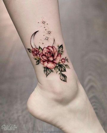 Grandes Y Definidos Tatuajes De Flores En La Pierna Tattoos