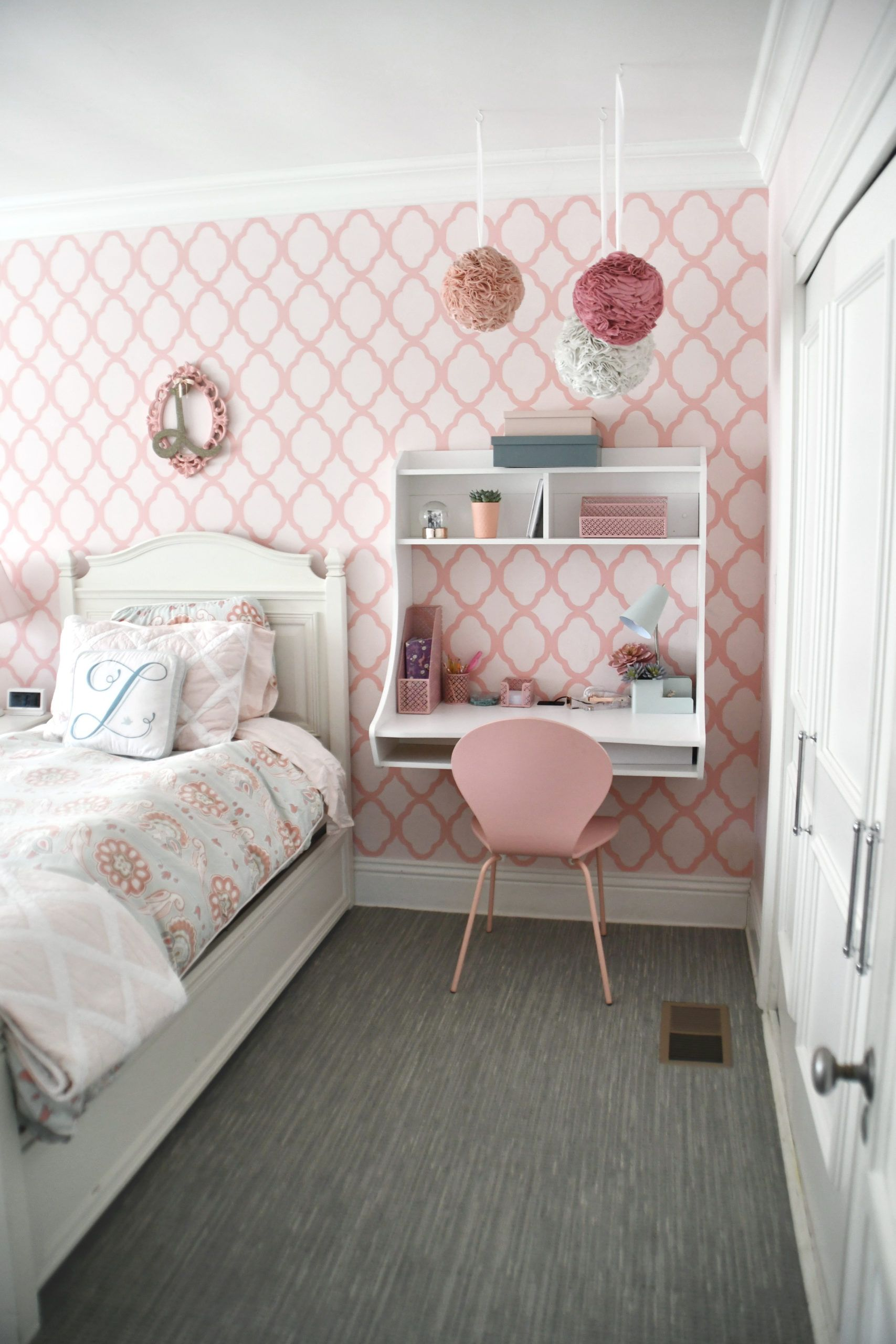 Shared Girls Room That Maximizes The Small Space Project Nursery Shared Girls Room Desk For Girls Room Shared Girls Bedroom