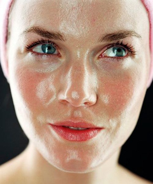 If you wear #makeup, you may not be washing your face properly. http://www.glamour.com/lipstick/2015/02/how-to-wash-your-face