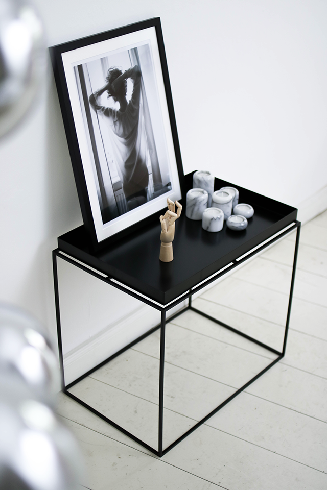 black white monochromatic minimal interior inspiration hay tray table b w photography. Black Bedroom Furniture Sets. Home Design Ideas