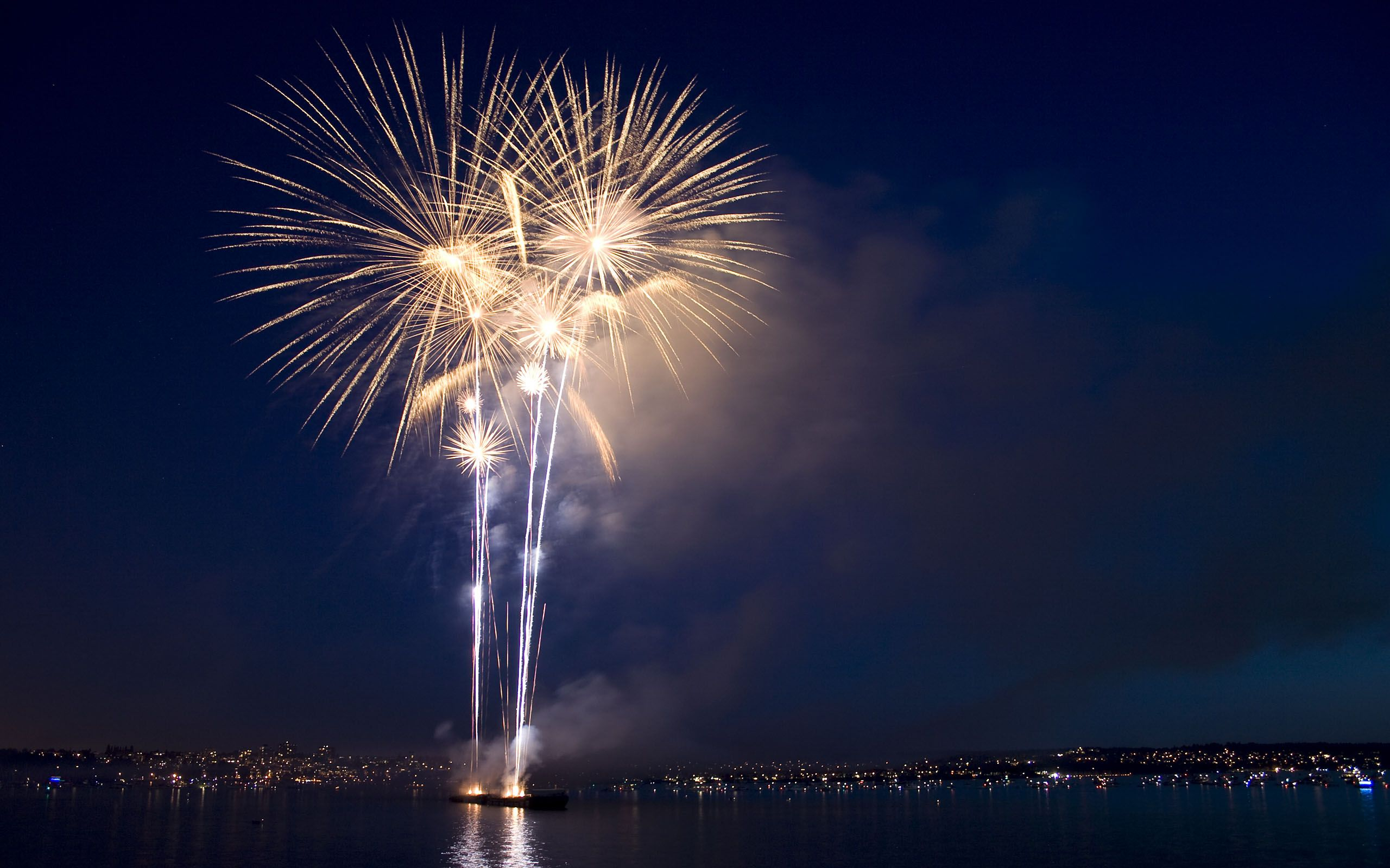 Hsbc Celebration At Vancouver S English New Year Wallpaper Happy New Year Wallpaper Fireworks Wallpaper