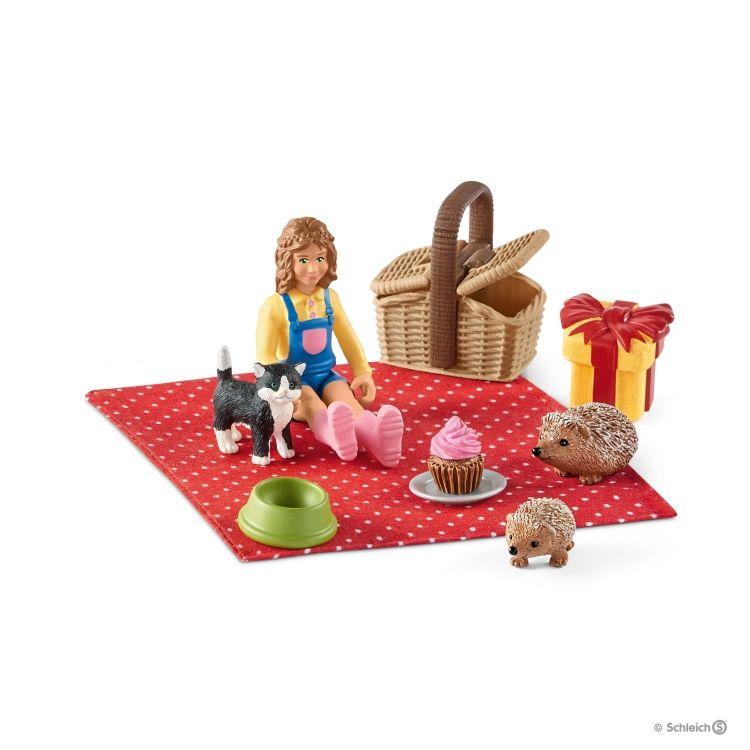 Schleich Birthday Picnic 42426 Farm Life Accessories Toy