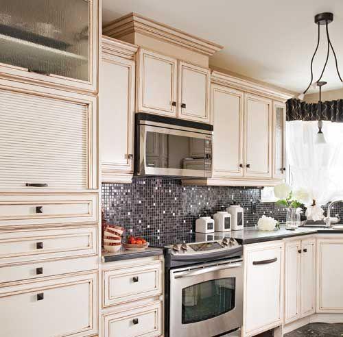 10 options pour revamper vos armoires salle de bains pinterest armoire decor and deco - Revamper armoire melamine ...