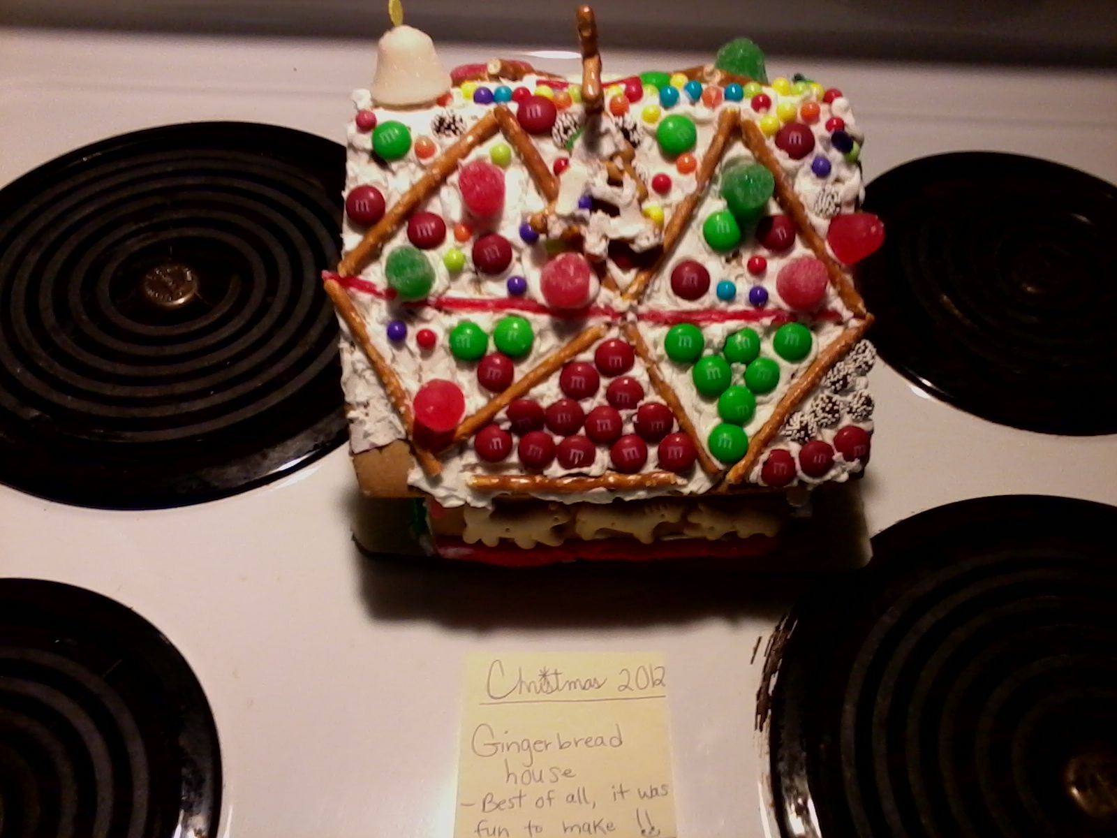 Christmas gingerbread house (view of right side) ~ 2012 ~