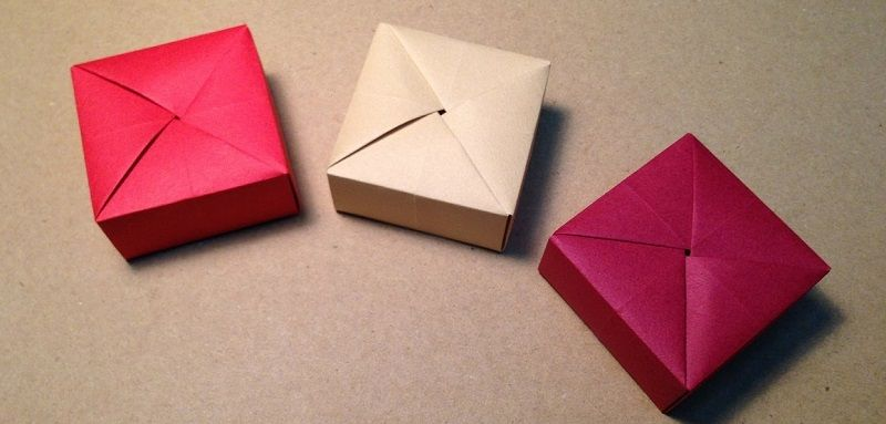 origami bo te cadeau petits papiers origami origami. Black Bedroom Furniture Sets. Home Design Ideas